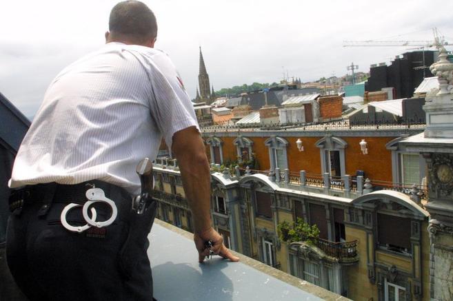 Aumenta el número de vigilantes de seguridad por los numerosos atentados terroristas